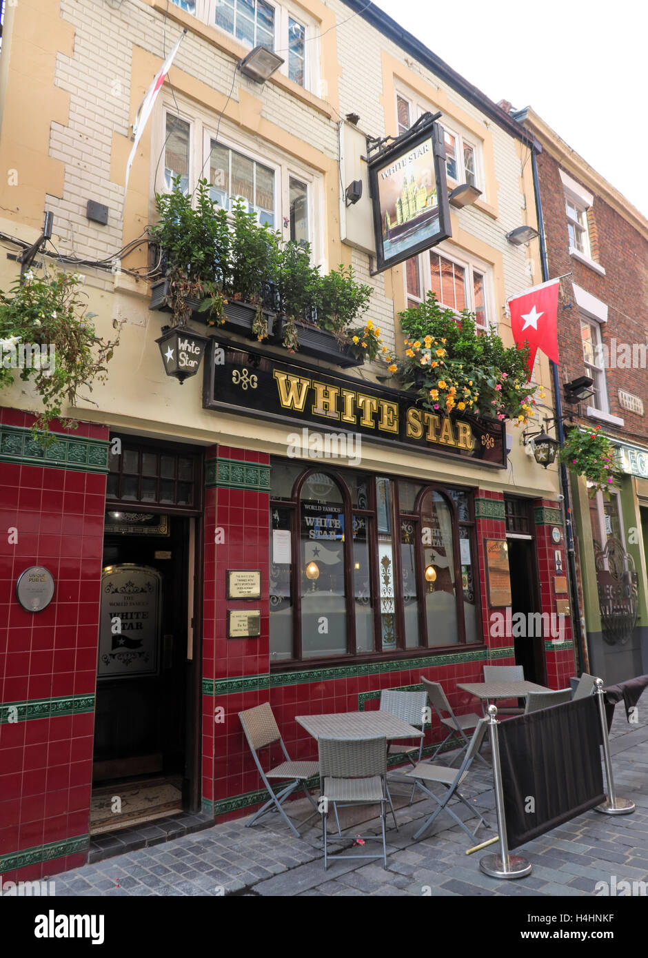 White Star Pub,2-4 Rainford Gardens, City Centre, Liverpool L2 6PT - Stock Image