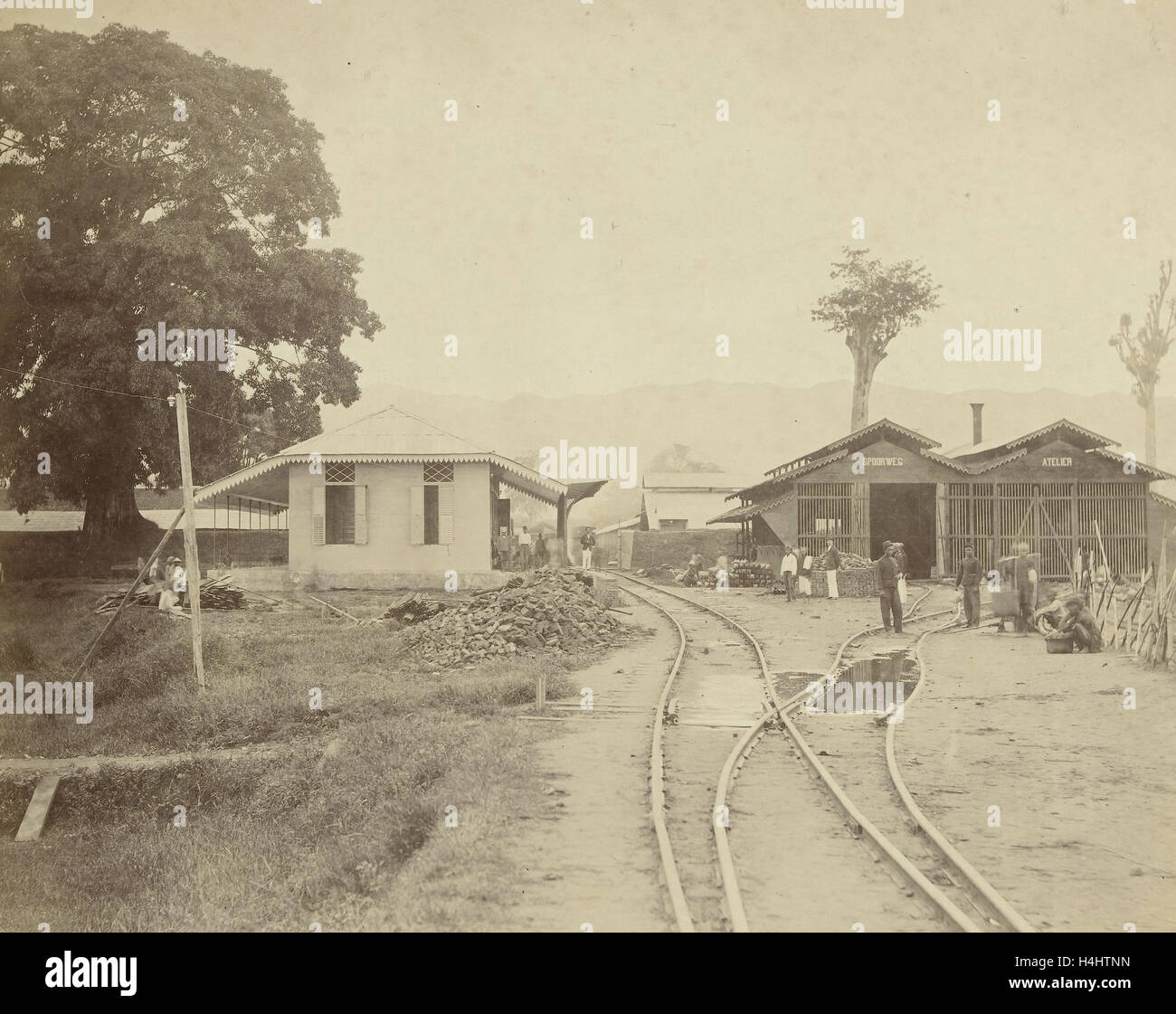 Spoorwegstation Kraton te Kota Radja, het huidige Banda Aceh. Anonymous, 1870 - 1900 Stock Photo