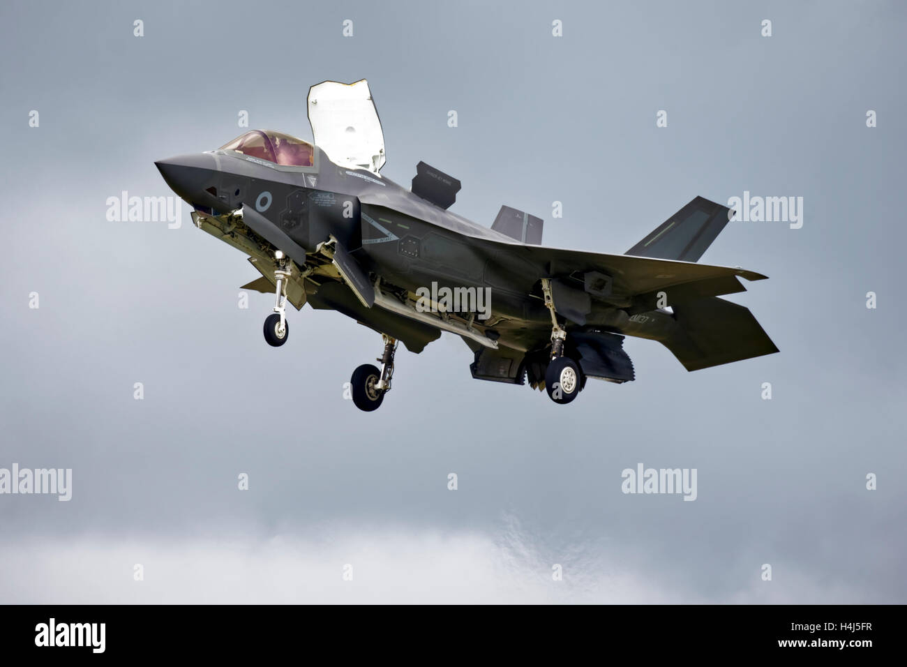 Royal Air Force Lockheed Martin F-35B Lightning ll, Joint Strike Fighter, VMFAT/501, ZM137 at RAF Fairford, Gloucestershire, - Stock Image