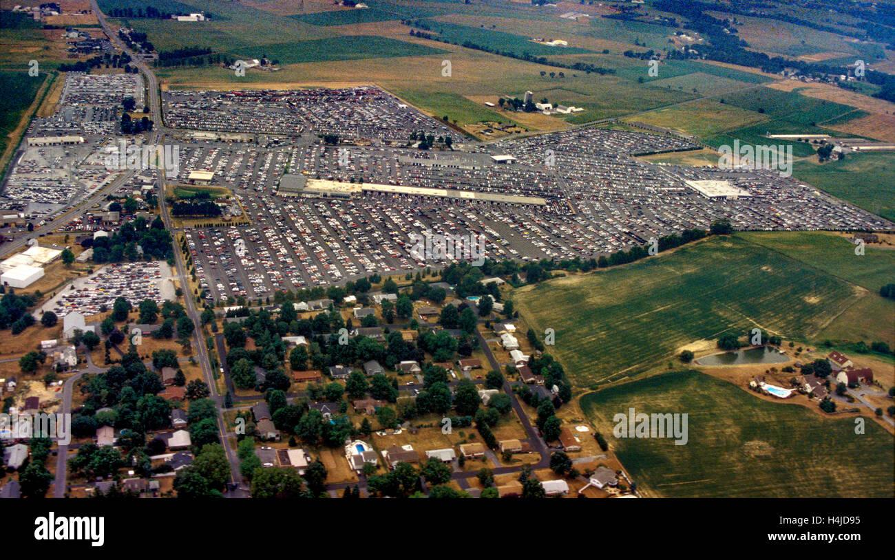 Sky Auto Sales >> Aerial views of central Pennsylvania Manheim auto auction ...