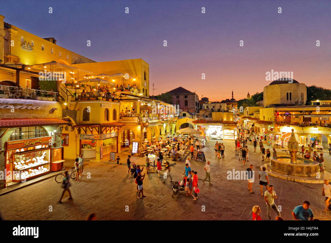 Twilight at Hippocrates (Ipokratous) Square, at Rhodes Old Town, Island of Rhodes, Dodecanese Islands, Greece. - Stock Image