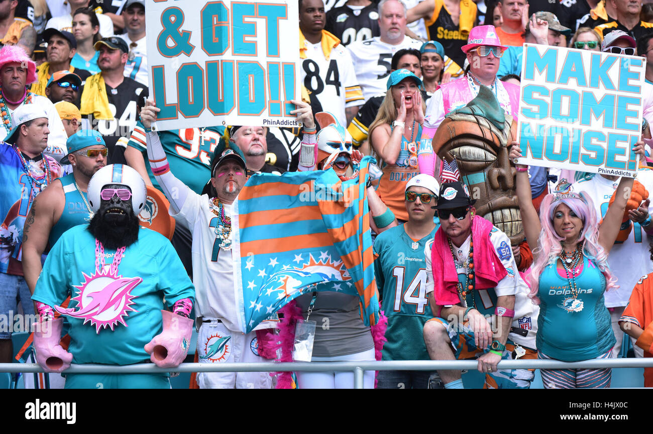 Dolphins Fans Stock Photos & Dolphins Fans Stock Images - Alamy