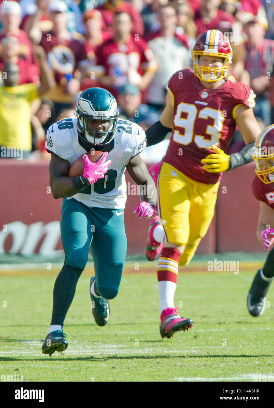 Philadelphia Eagles running back Wendell Smallwood (28) carries the ball late in the third quarter against the Washington - Stock Image