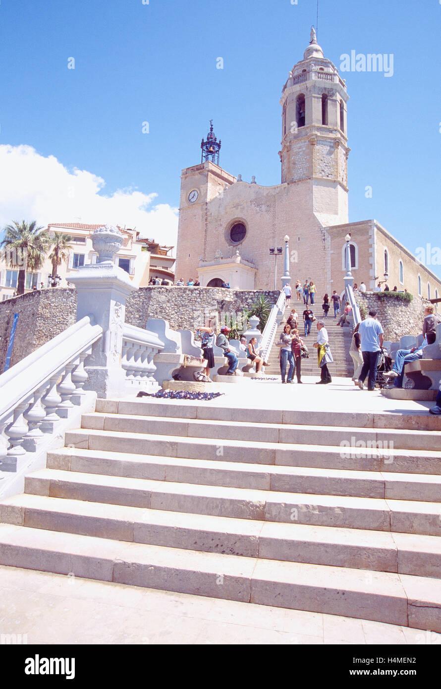Sant Bartomeu i Santa Tecla church and staircase. Sitges, Barcelona province, Catalonia, Spain. - Stock Image