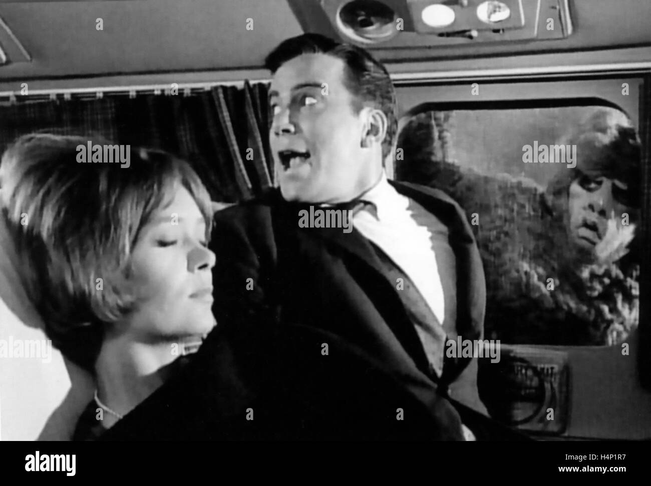 THE TWILIGHT ZONE CBS TV series 1959-1964. William Shatner in the 1959 episode 'Nightmare at 20,000 Feet' - Stock Image