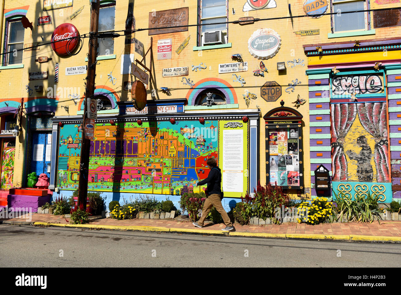 USA Pittsburgh PA Pennsylvania Randyland Randy Land a whimsical art gallery owned by Randy Gilson in Northside Stock Photo