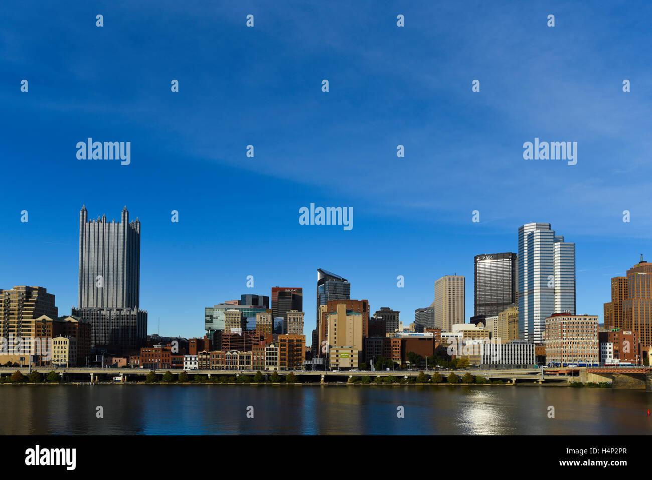 USA Pittsburgh PA Pennsylvania skyline along the Monongahela River on the Southside of the river - Stock Image