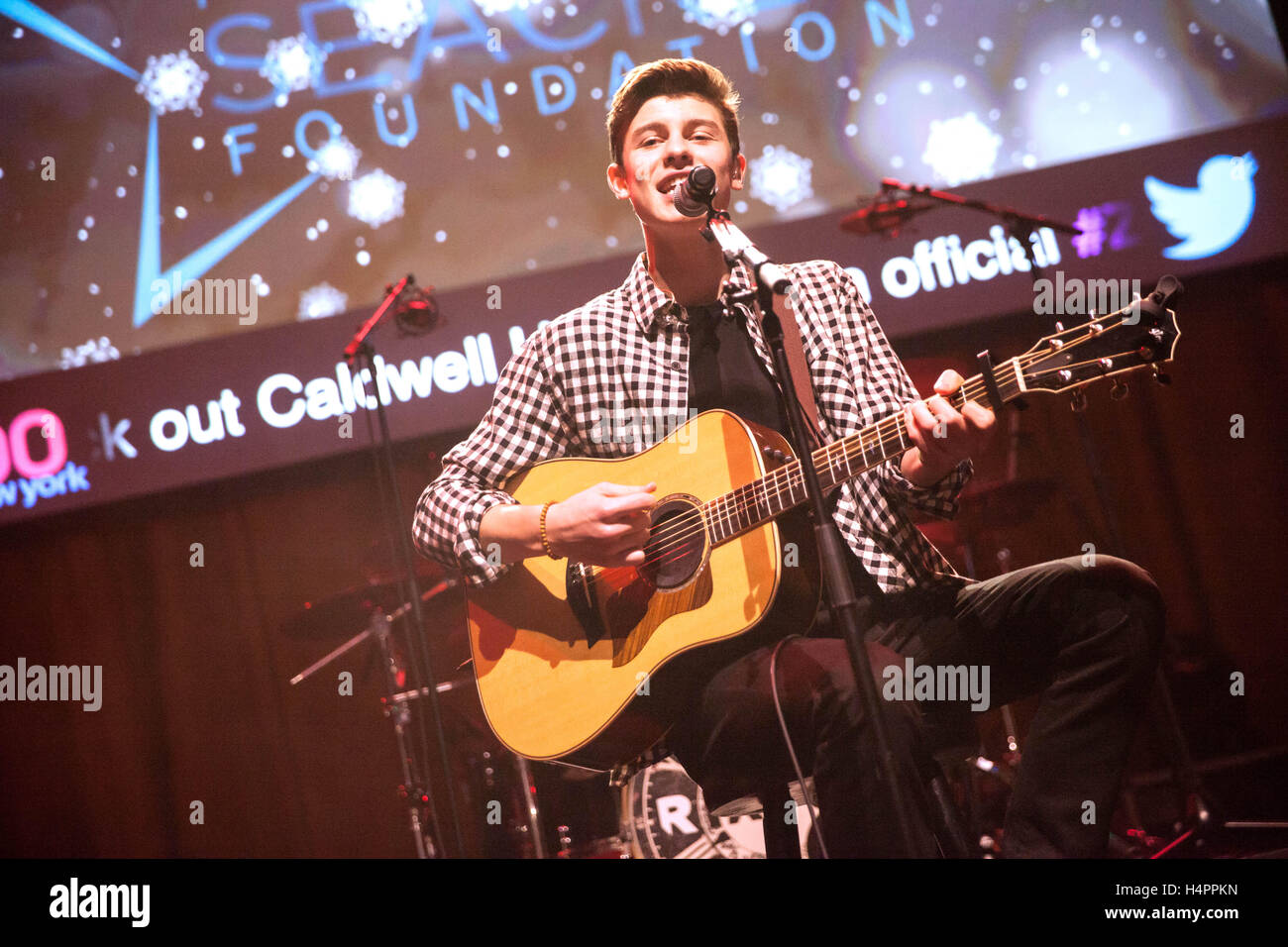 Shawn Mendes Performing Live In Concert At Z100 Coca Cola All