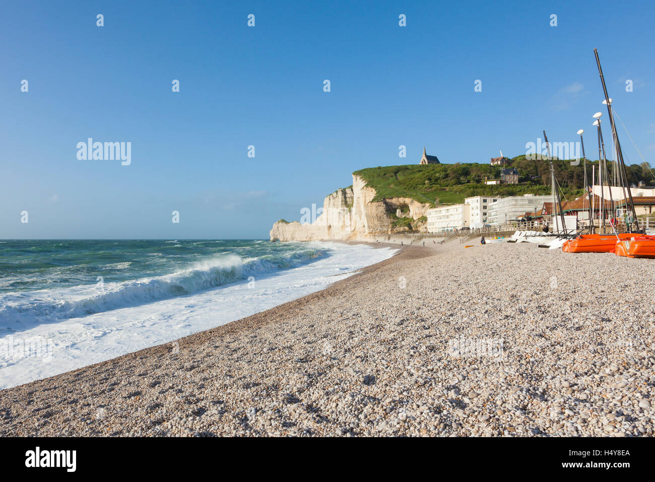 Beach and cliff at Etretat, Normandy, France - Stock Image