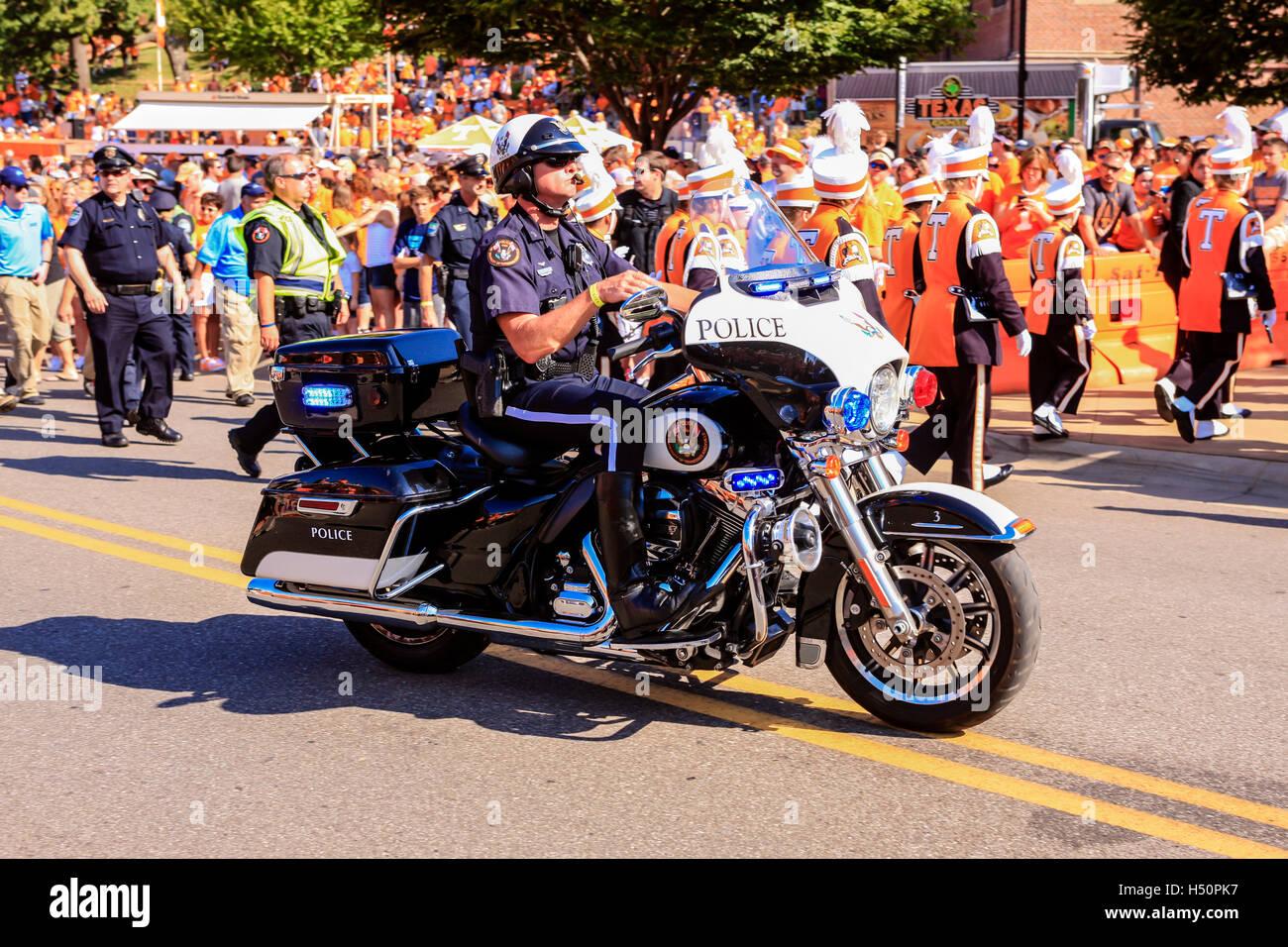 Motorcycle Escort Stock Photos & Motorcycle Escort Stock Images - Alamy