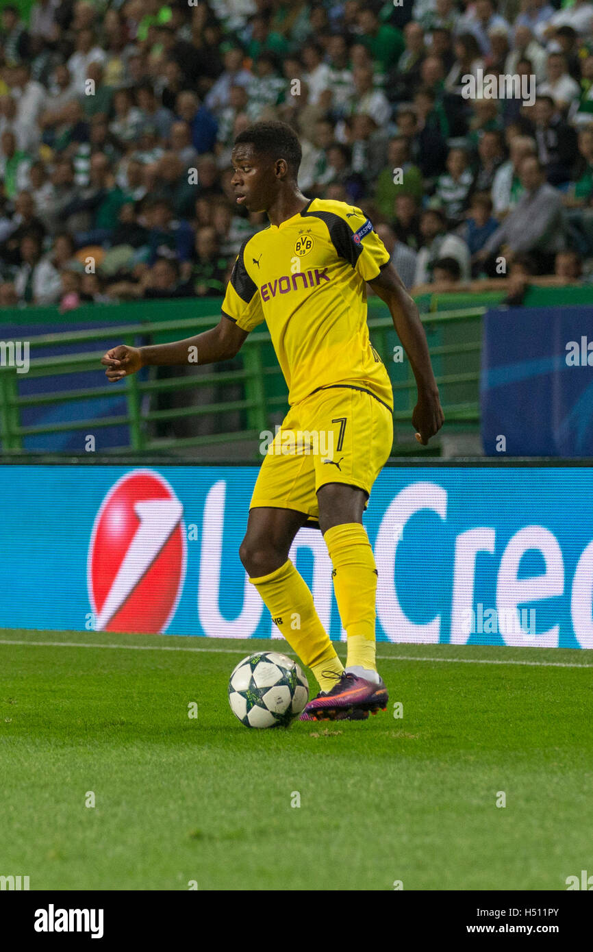 Lisbon, Portugal. 18th October, 2016. Borussia Dortmund's French midfielder Ousman Dembele (7) during the game - Stock Image