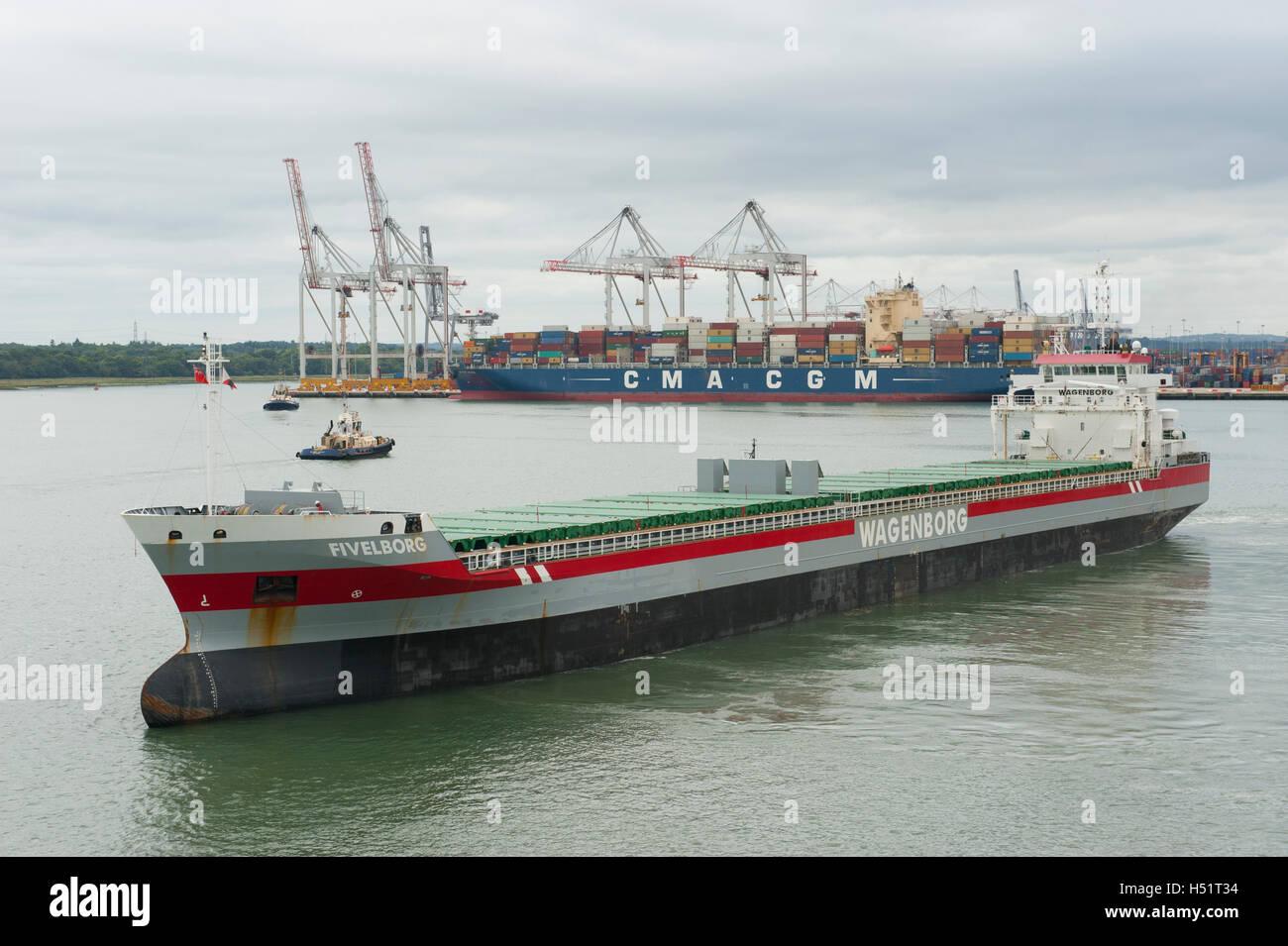 Dutch general cargo ship 'Fivelborg' leaving Southampton docks - Stock Image