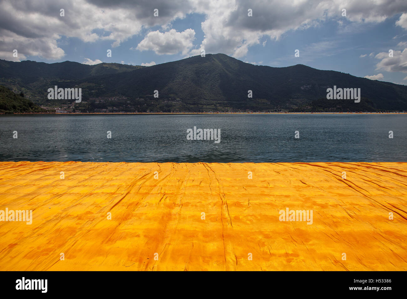 Christo and Jeanne Claude's 'Floating Piers', Lake Iseo, Italy 2016 - Stock Image