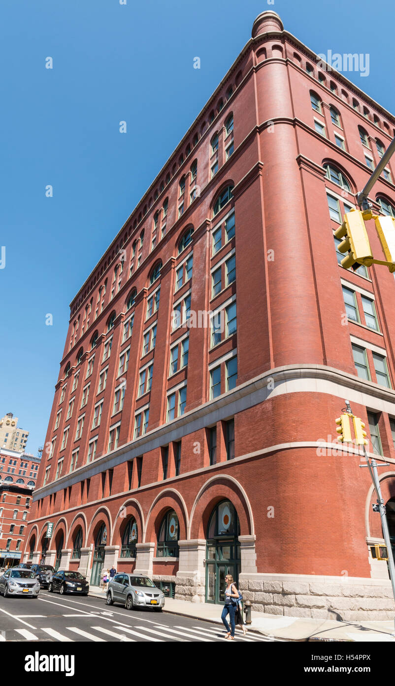 Lanmarked old United States Appraisers' Store building (641 Washington Street) now converted to apartments - Stock Image