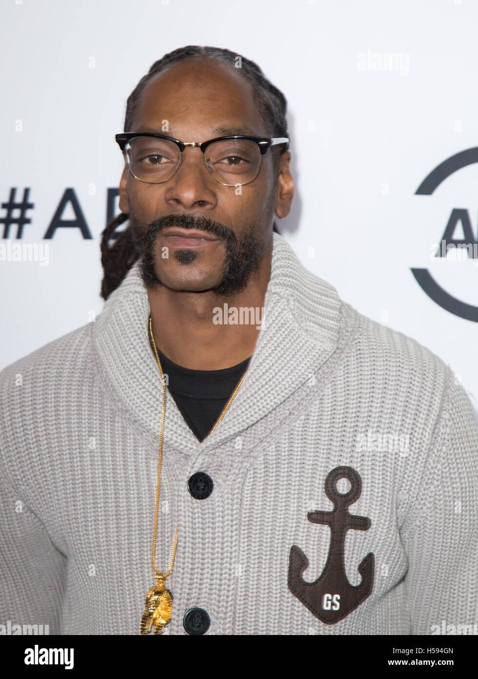 Snoop Dogg 2016 Stock Photos & Snoop Dogg 2016 Stock Images - Alamy