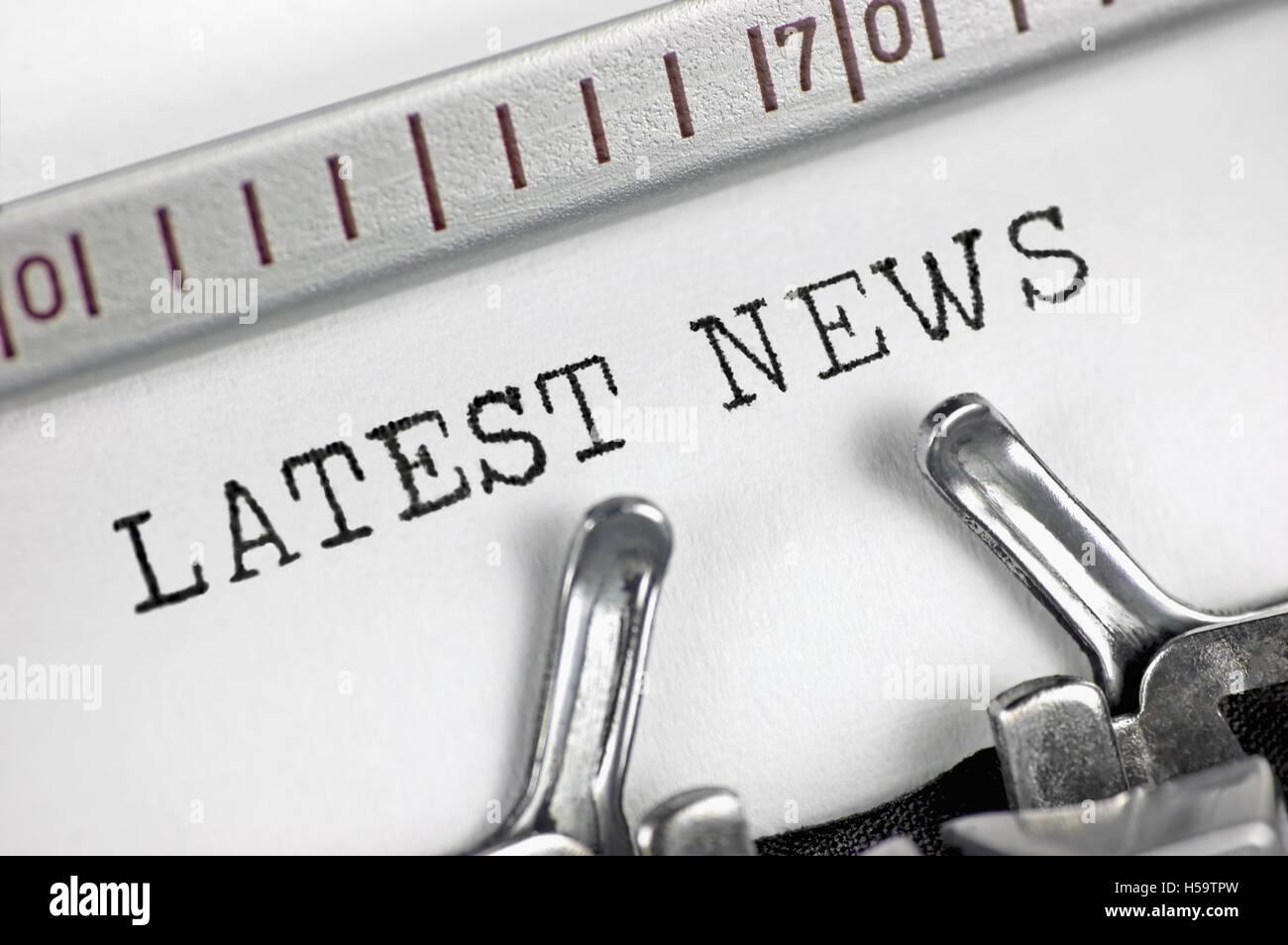 Typewriter detailed macro closeup typing text Latest News, large detail vintage press, TV, radio, internet mass - Stock Image