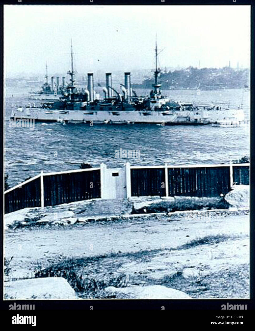 Two vessels of the Great White Fleet in Sydney Harbour Stock Photo