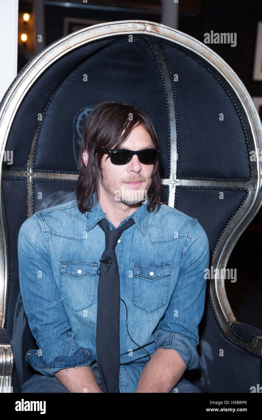 Actor Norman Reedus attends Norman Reedus: A Fine Art Photography Exhibition at Voila! Gallery on November 22, 2015 in Los Angeles, California, USA Stock Photo