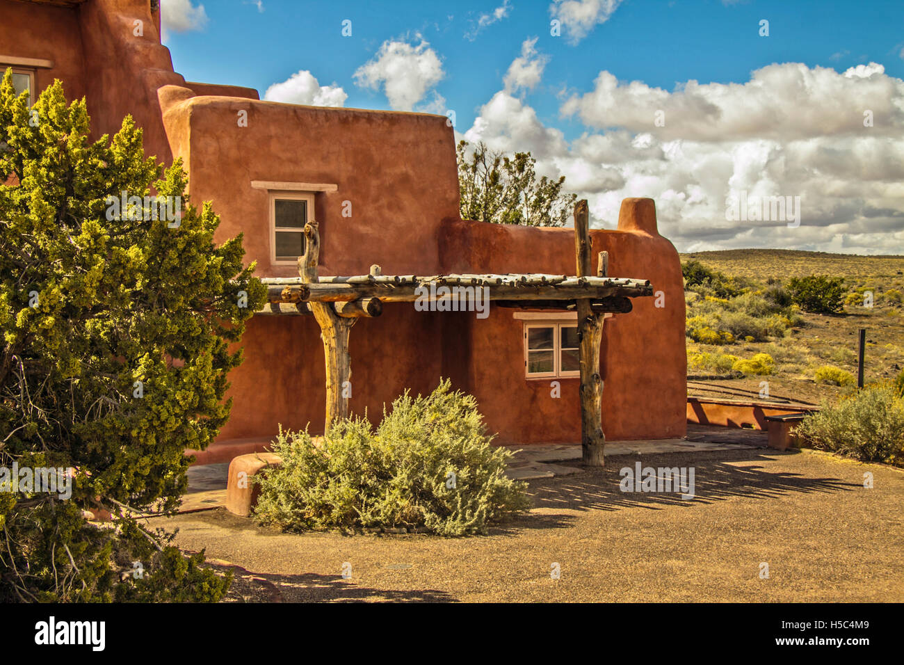 Simple Adobe Building Home - adobe-house-new-mexico-native-american-adobe-buildings-architecture-H5C4M9  Photograph_759837.jpg