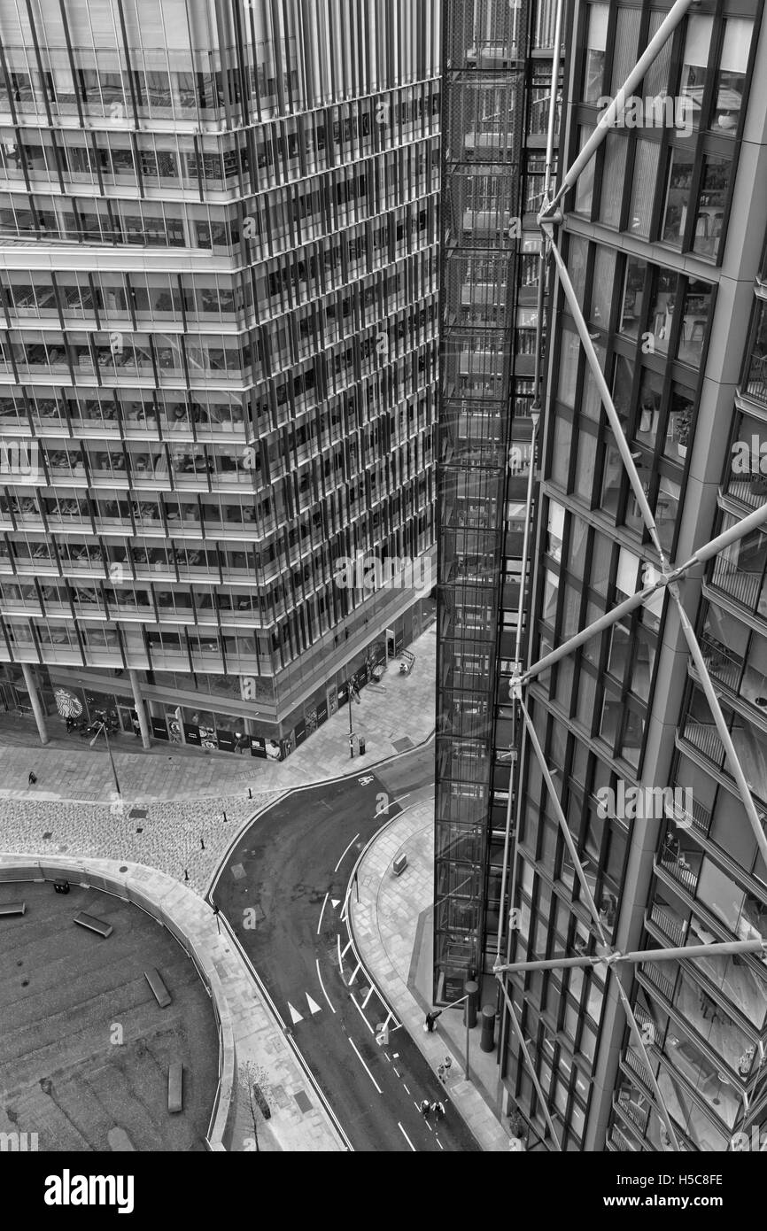 London, UK - July 2016: Aerial view looking down on Sumner Street from the new Tate Modern Extension building South - Stock Image