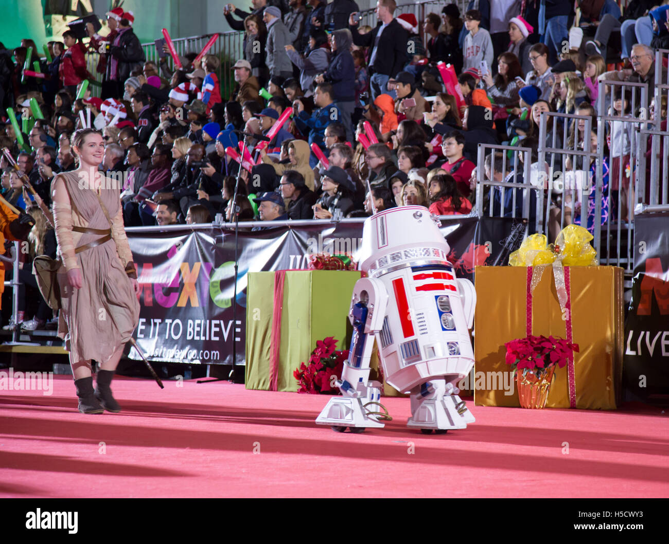 "42c1dd843c27a Star Wars character R2D2 attend The 84th Annual Hollywood Christmas Parade  ""The Magic of Christmas"