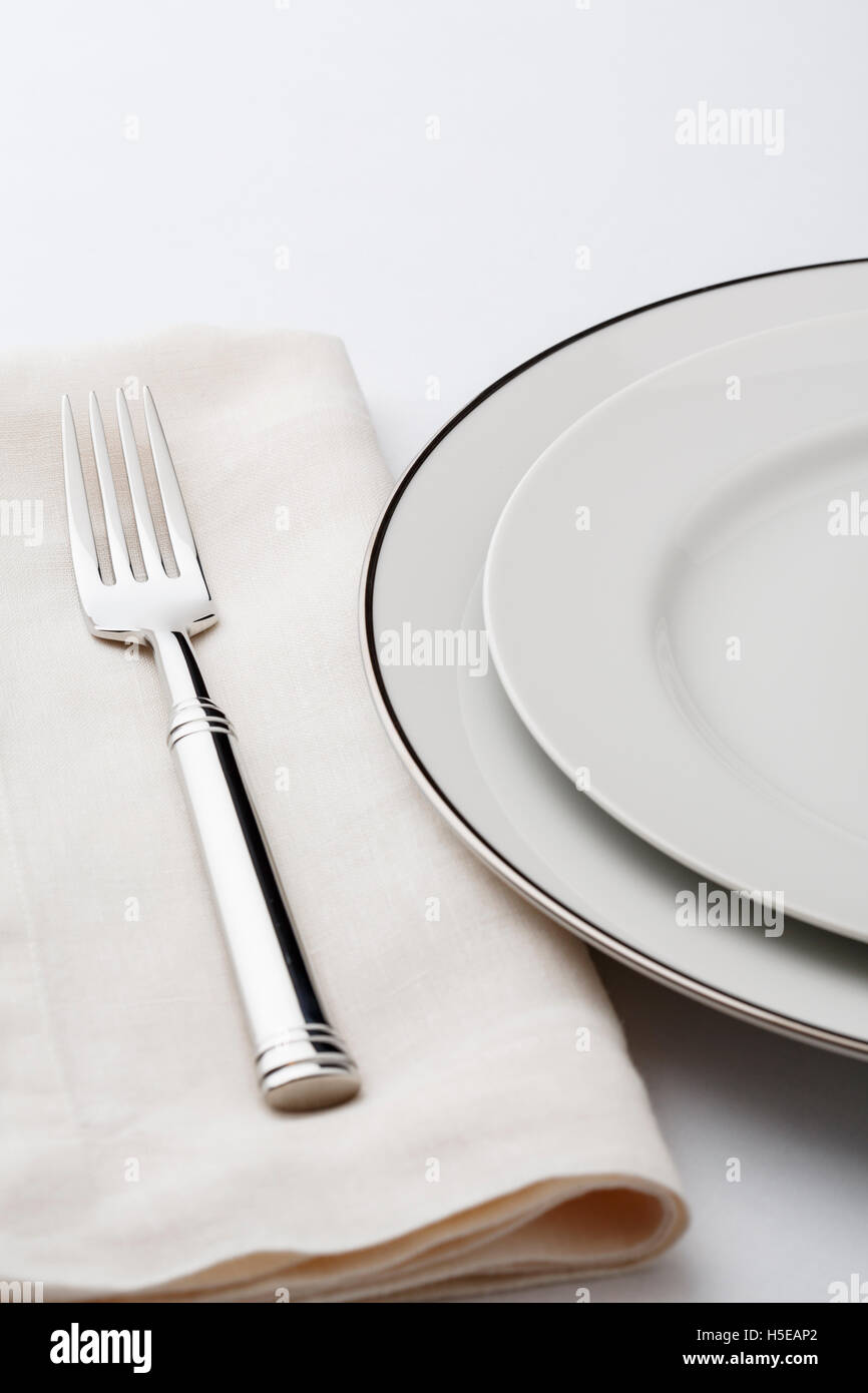 Fine dining table setting place setting with high quality classic ...