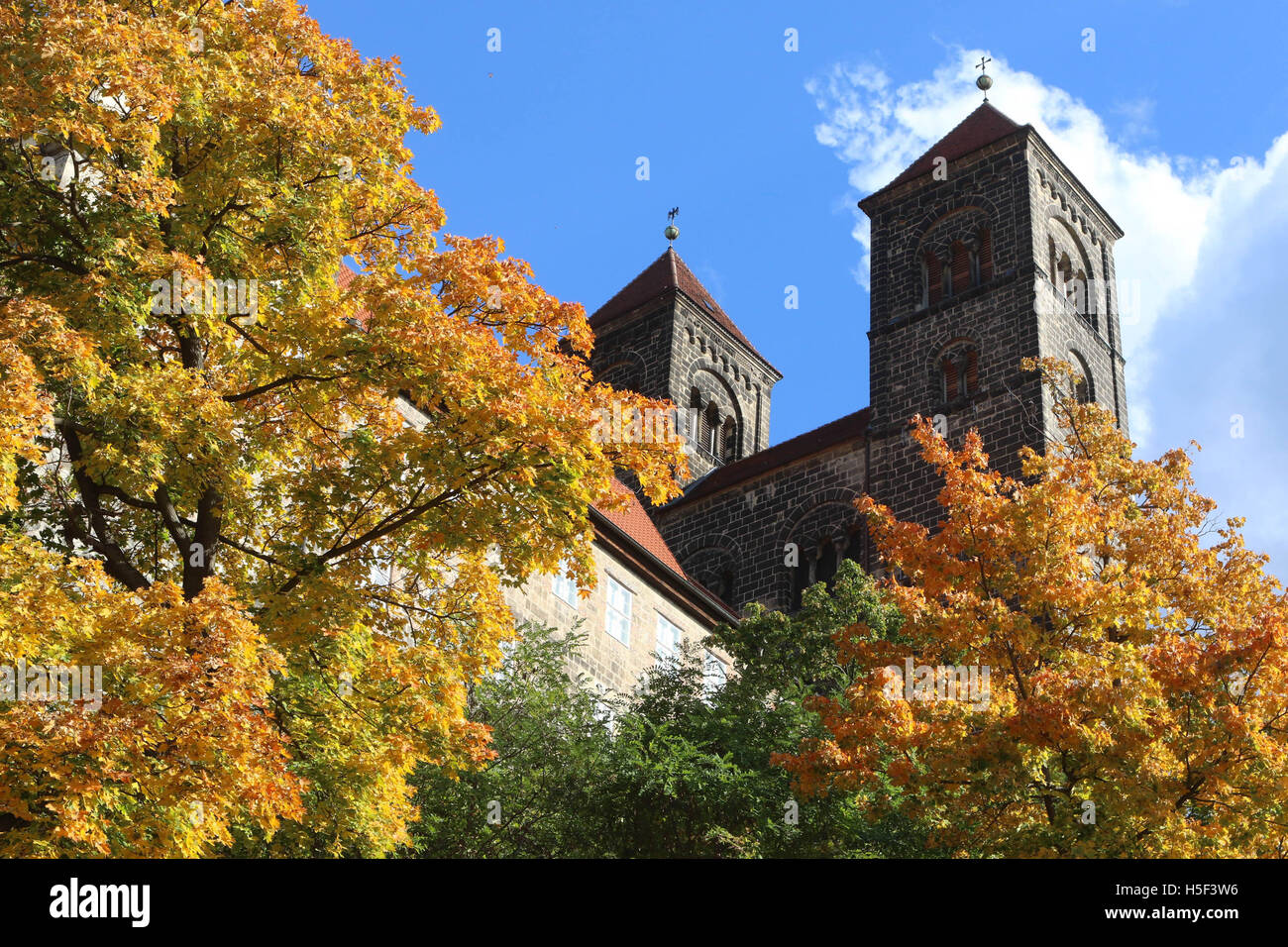 Quedlinburg, Germany. 18th Oct, 2016. The collegiate church St. Servatius in Quedlinburg, Germany, 18 October 2016. - Stock Image