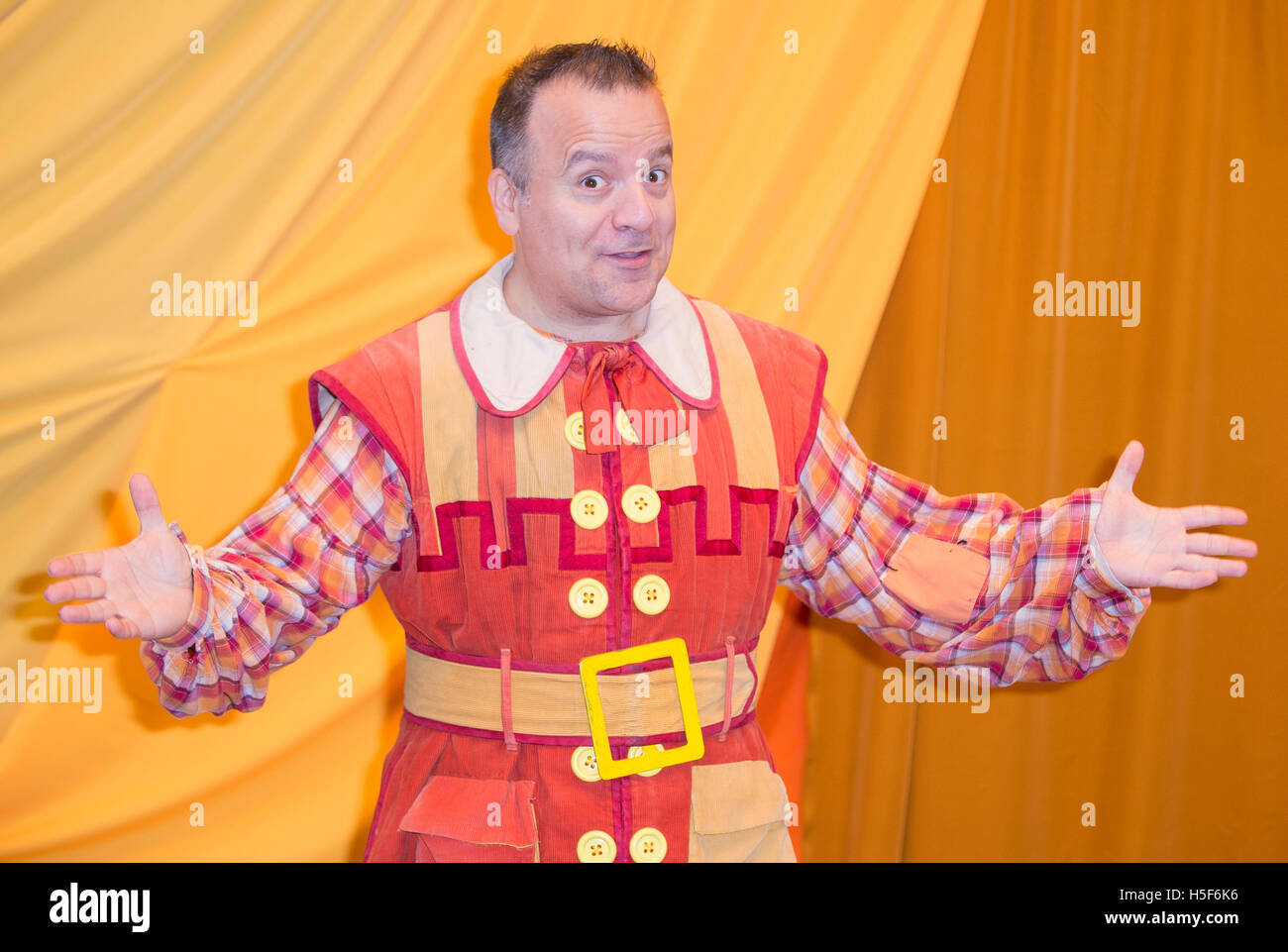 Kev Orkian Idle Jack Press Call For This Years Purrr Fect Family Pantomime Dick Whittington At Milton Keynes Theatre England 20th October 2016 Credit
