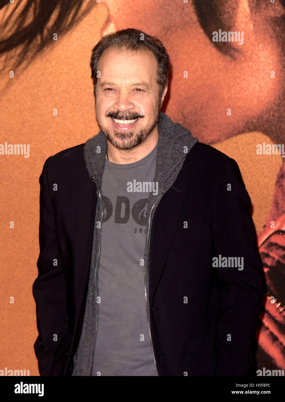London, UK. 20th October, 2016. Edward Zwick attending  the European  Premiere of JACK REACHER   at the Cineworld - Stock Image
