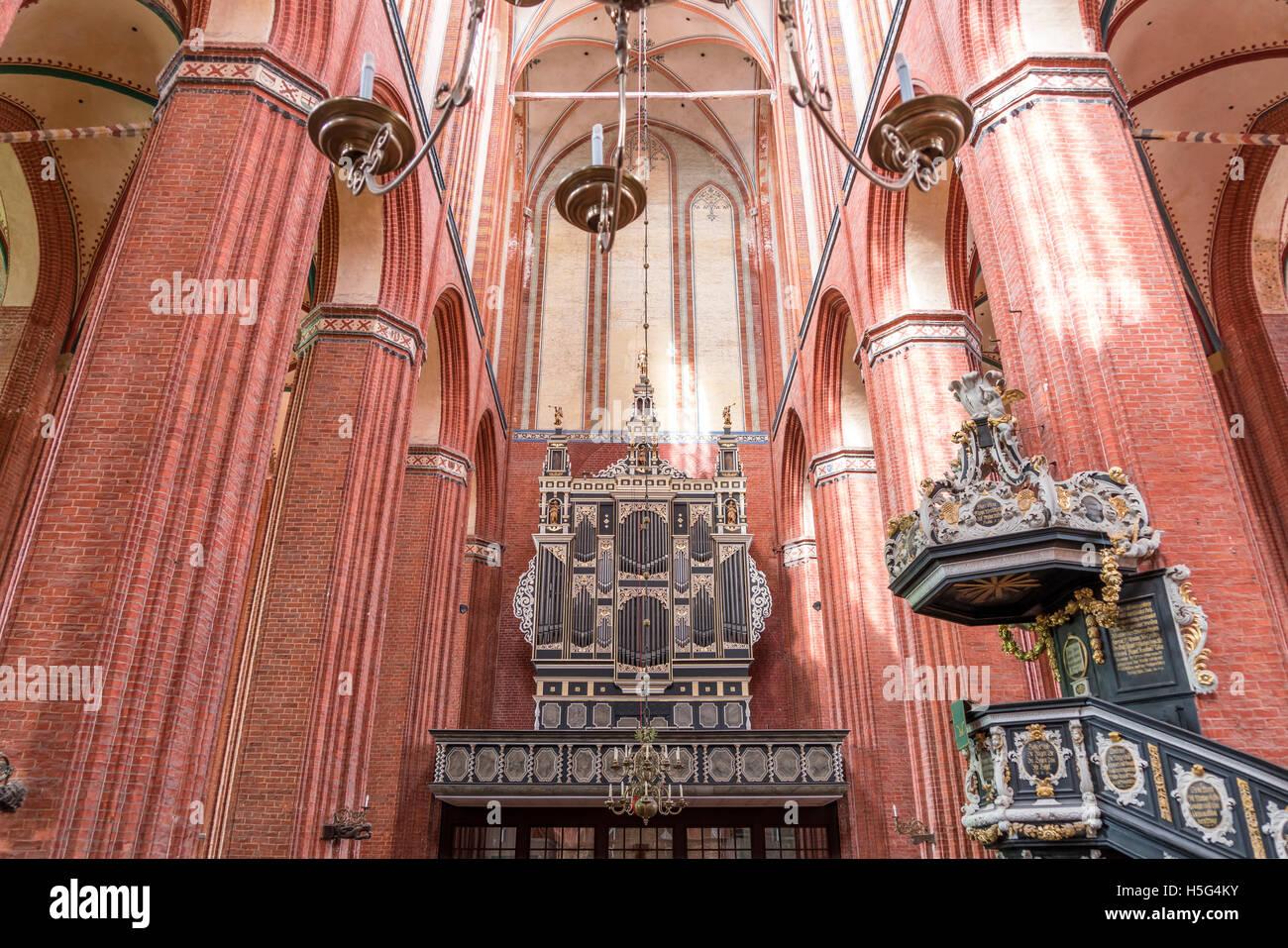 St. Nicholas interior and church organ, Hanseatic City of Wismar, Mecklenburg-Vorpommern, Germany - Stock Image