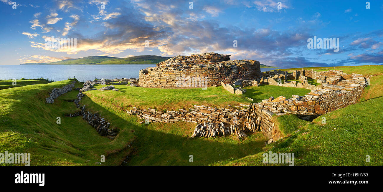 The Broch of Gurness is a rare example of a well preserved brooch village. Dating from 500 to 200BC the central - Stock Image