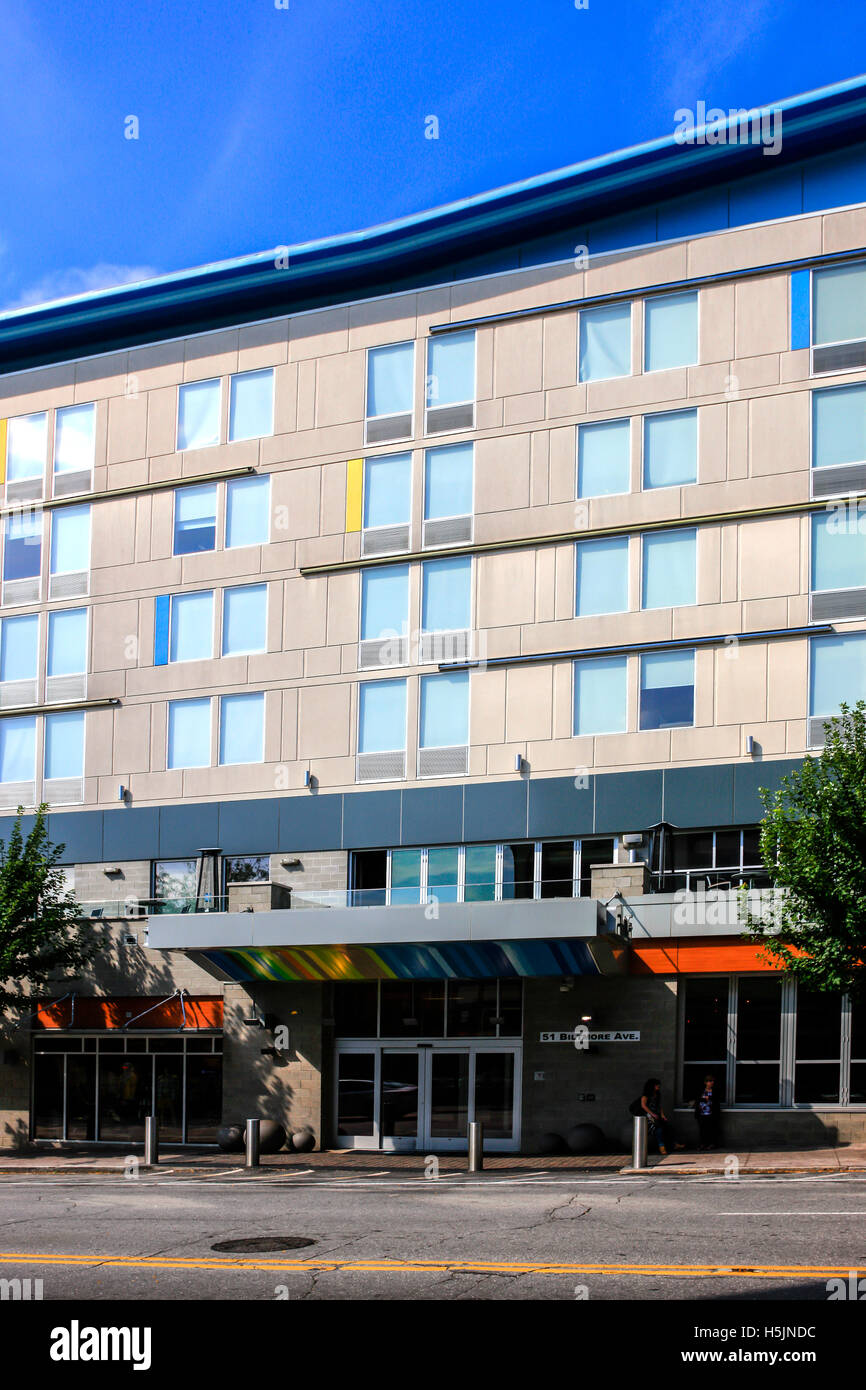 The Aloft hotel on Biltmore e in downtown Asheville, NC - Stock Image
