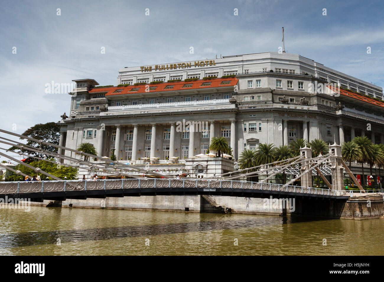 Fullerton hotel on the river in Singapore - Stock Image