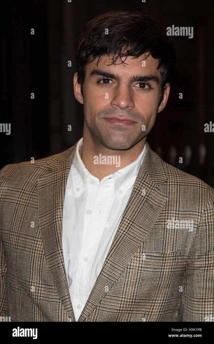 London, UK. 20 October 2016. Actor Sean Teale attends the Sheraton Grand London Park Lane launch party. Stock Photo
