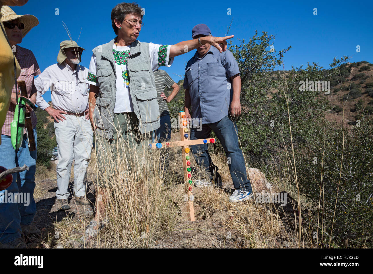 Bisbee, Arizona - Cross marks the spot where an unidentified migrant died trying to cross US-Mexico Border. - Stock Image