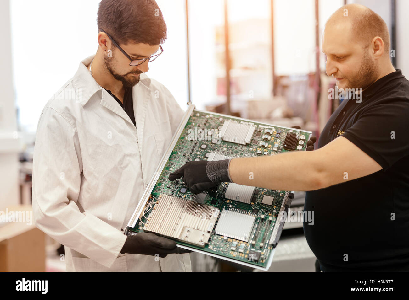 CMTS card needs to be fixed by technician - Stock Image