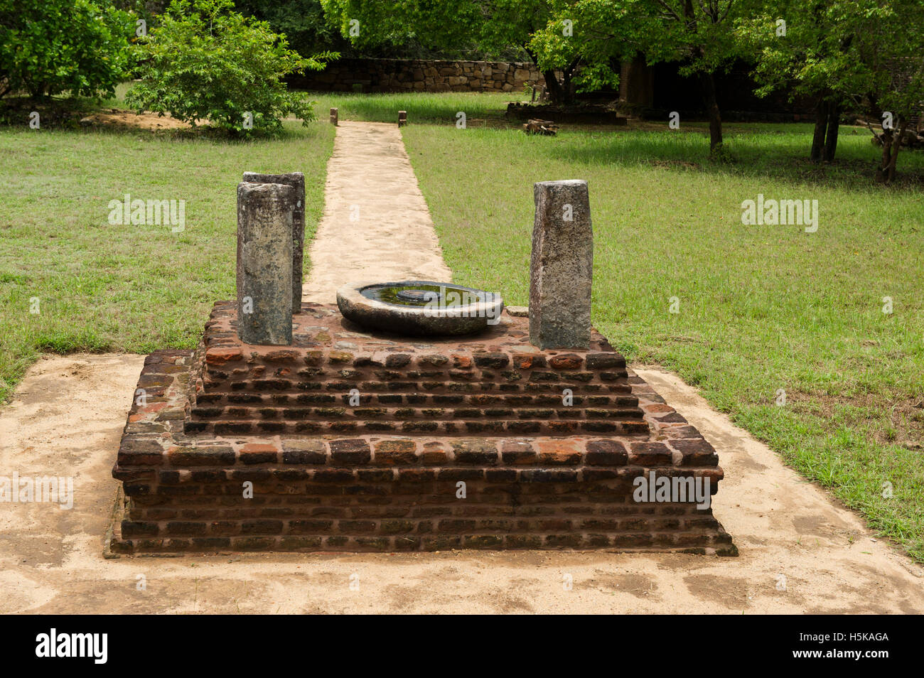Stone Oil Lamp Stock Photos & Stone Oil Lamp Stock Images - Alamy