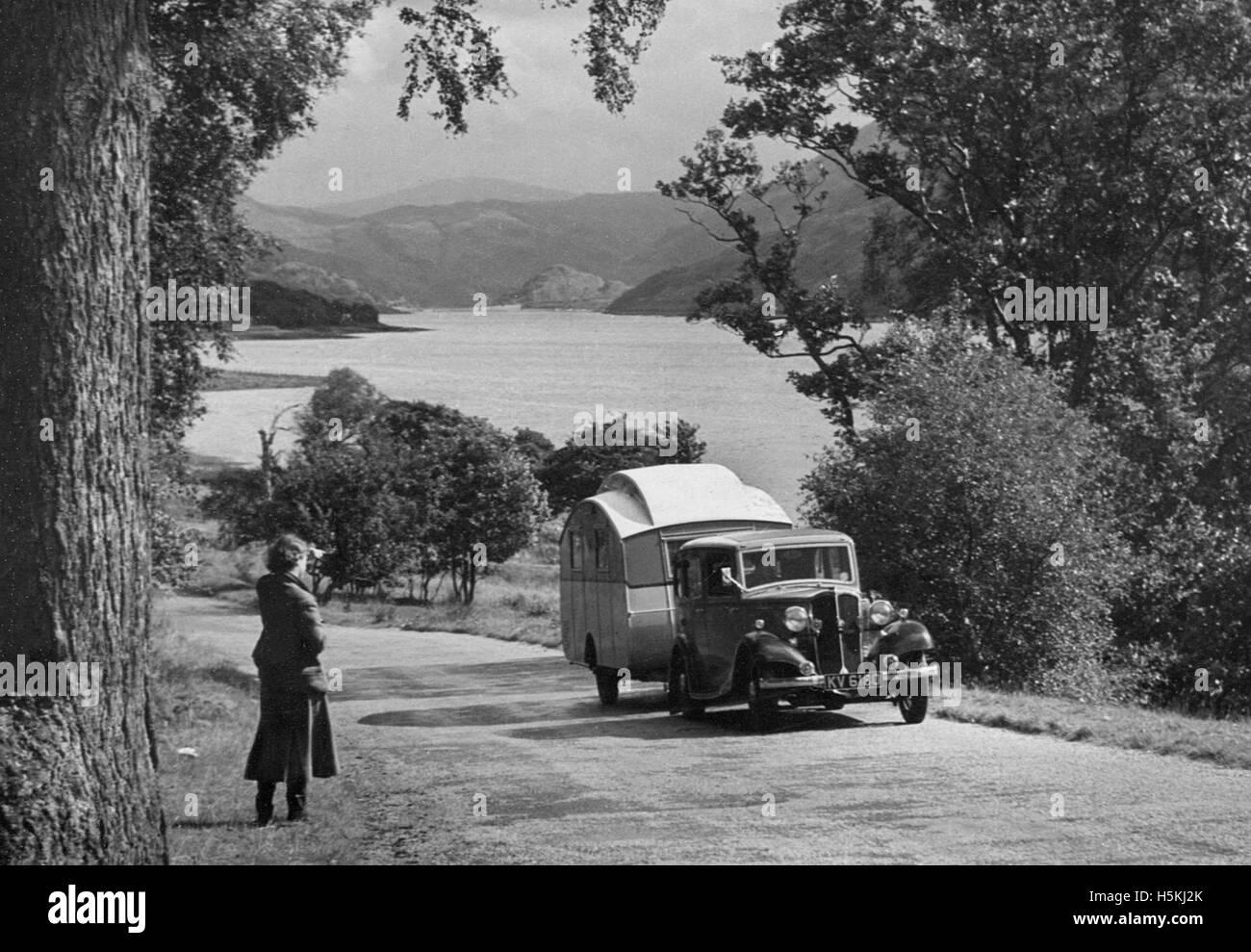Standard Sixteen 1934 with caravan - Stock Image