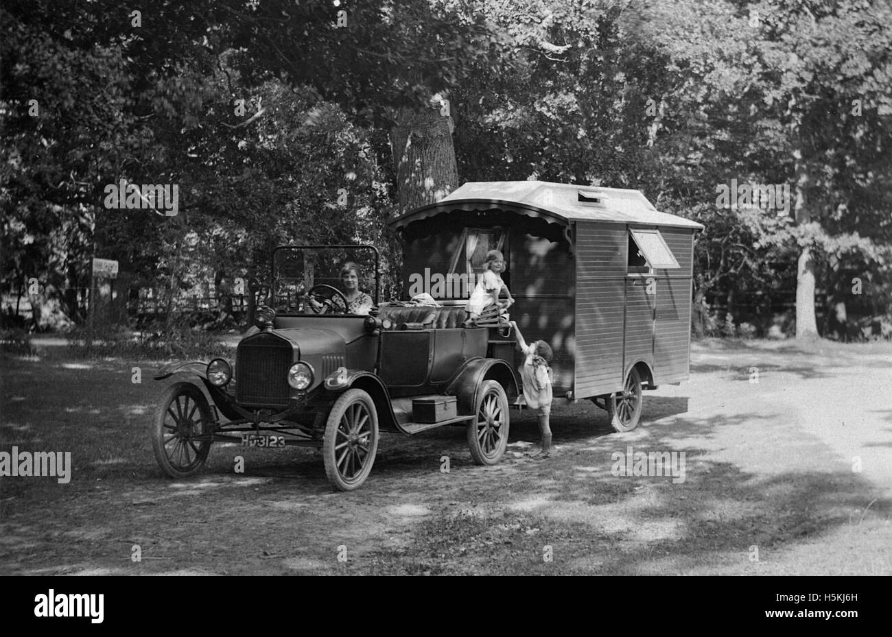 1921 Ford Model T with caravan - Stock Image
