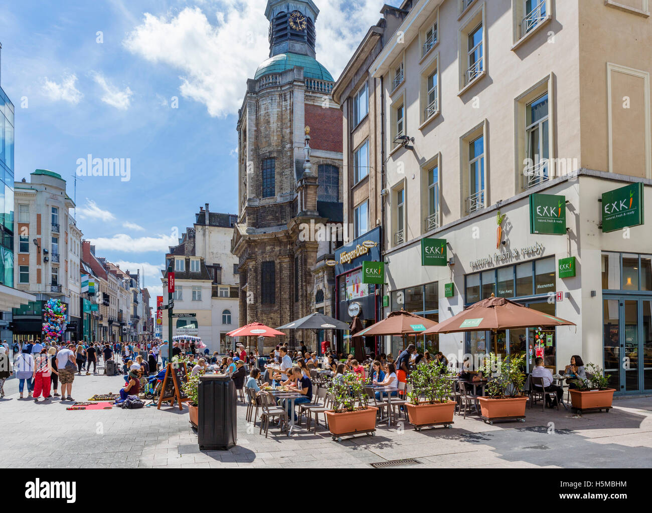 Restaurant and shops near the Church of Notre Dame du Finistere, Rue Neuve (Nieuwstraat) in the city centre, Brussels, Stock Photo