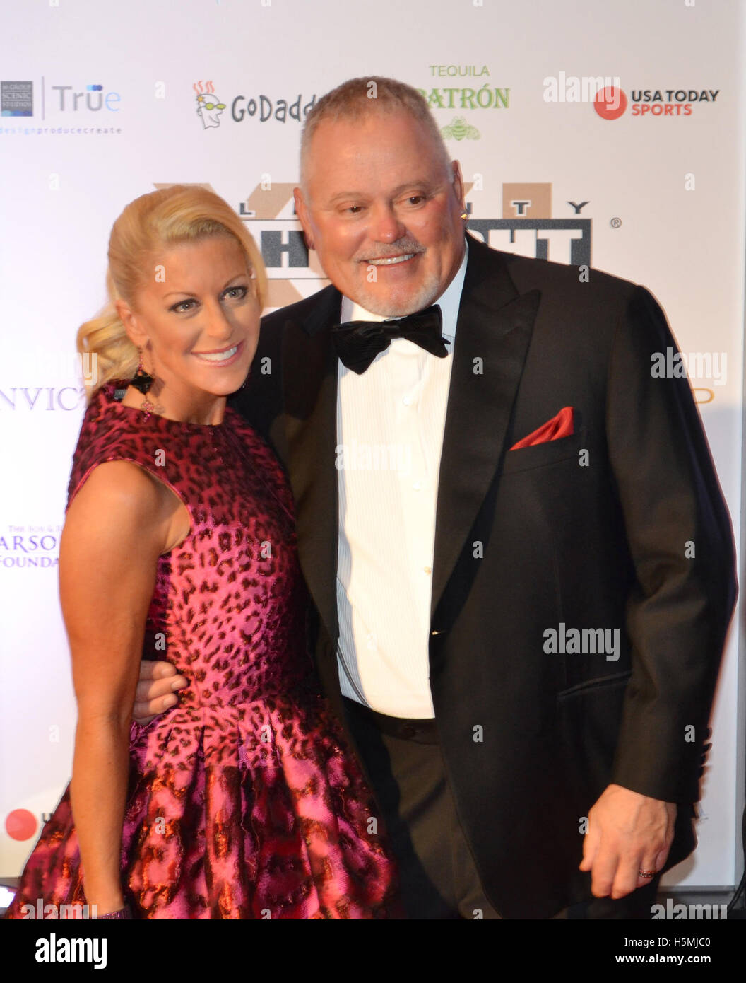 Bob and Renee Parsons attend the 2015 Celebrity Fight Night red