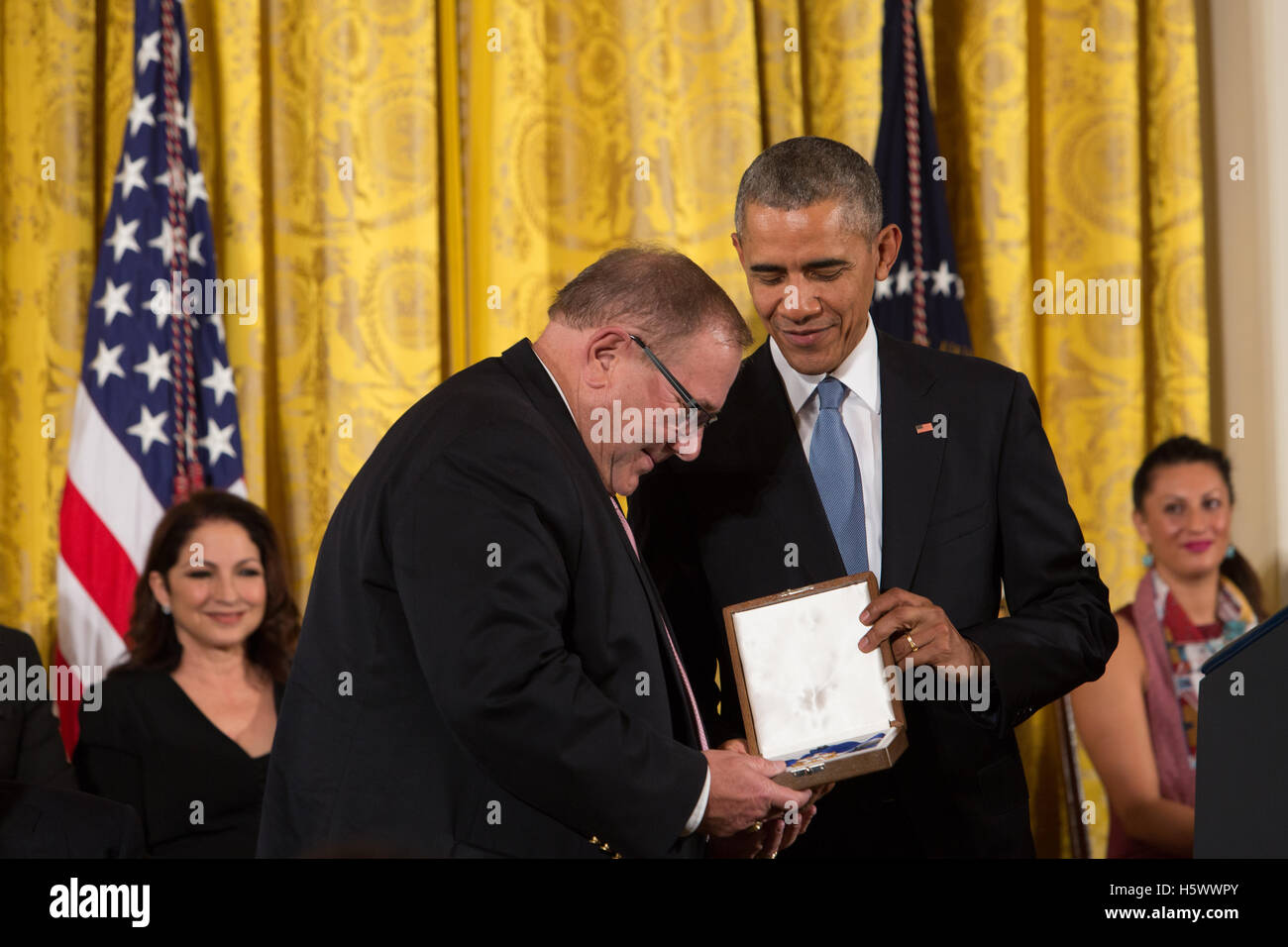 Yogi Berra (posthumous) receives the Presidential Medal of Freedom Awards from President Obama at the White House Stock Photo