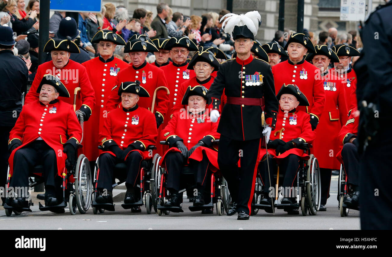 London, UK - November 8, 2015: People take part in Remembrance Day, Poppy Day or Armistice Day, nearst Sunday of - Stock Image