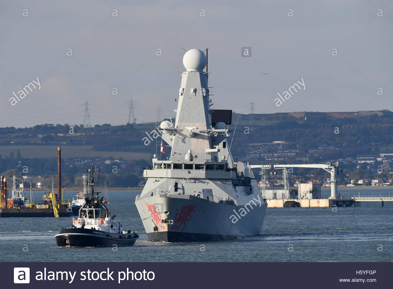Portsmouth, Hampshire, 21st October 2016 HMS Dragon leaving Portsmouth Harbour on deployment to keep an eye on the - Stock Image