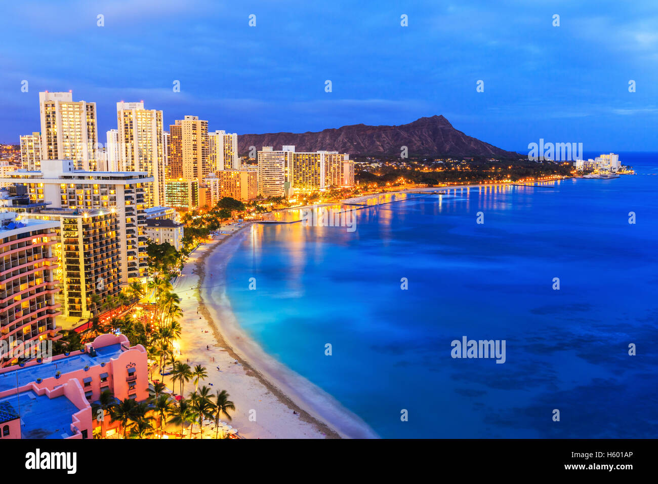 Honolulu, Hawaii. Skyline on the Waikiki beach. - Stock Image
