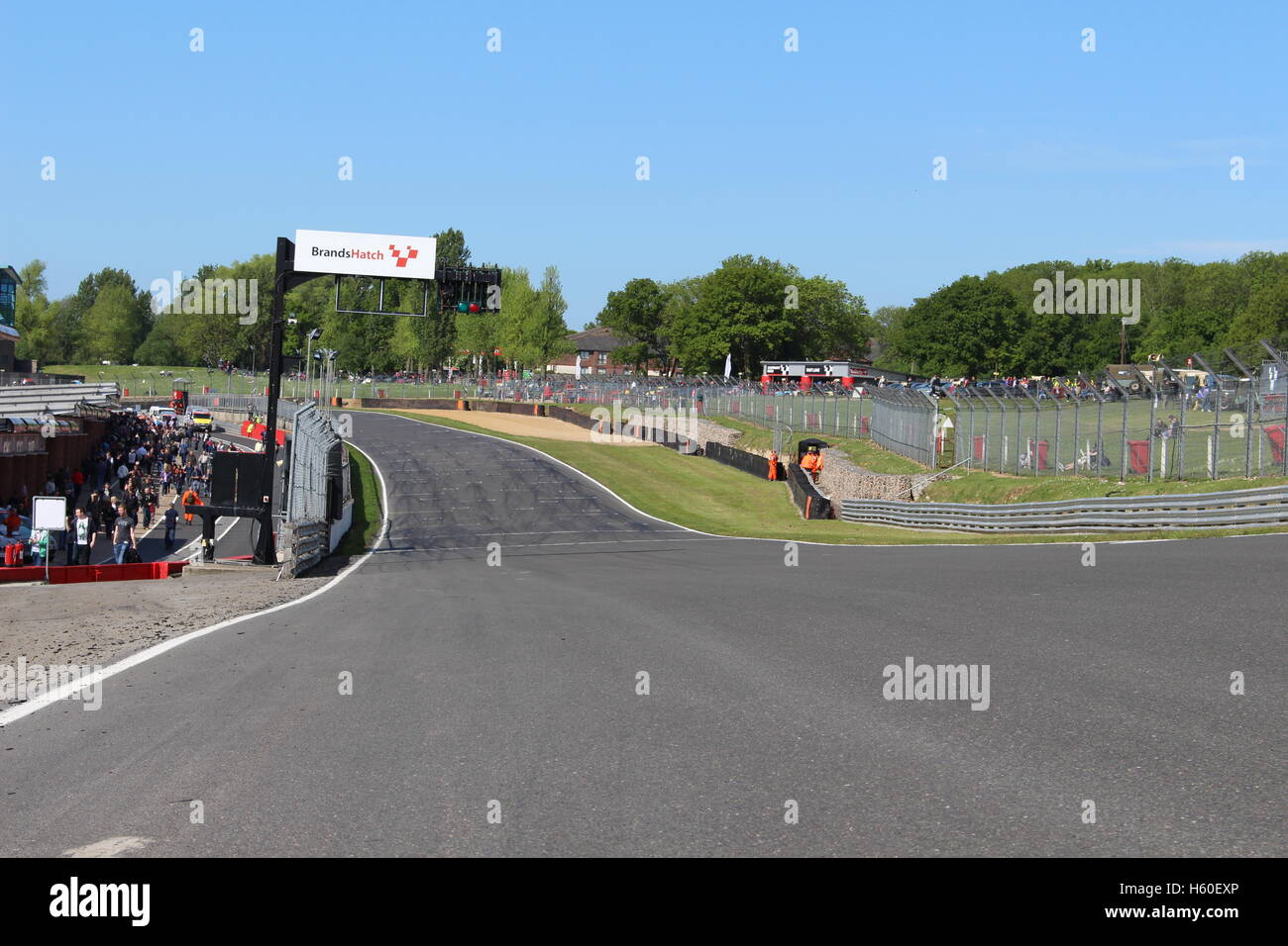 Brands Hatch looking back down Brabham straight - Stock Image