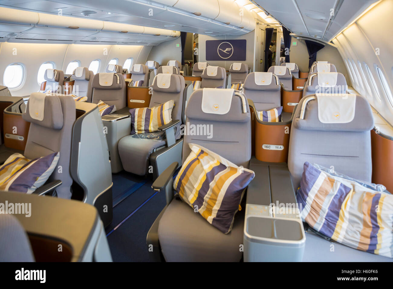 lufthansa planes interior. Black Bedroom Furniture Sets. Home Design Ideas