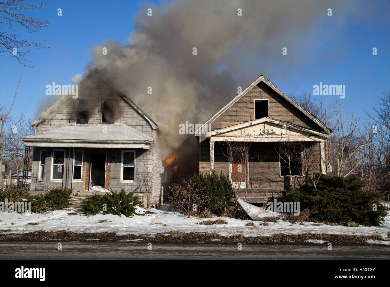 Remarkable C8 Alamy Com Comp H60Tgy Two Vacant Houses Burning Download Free Architecture Designs Licukmadebymaigaardcom