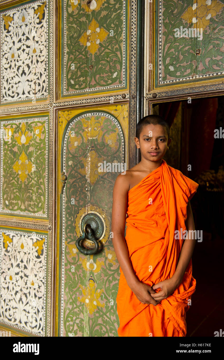 Monk at Lankatilake Temple from the 14th century, Kandy, Sri Lanka - Stock Image