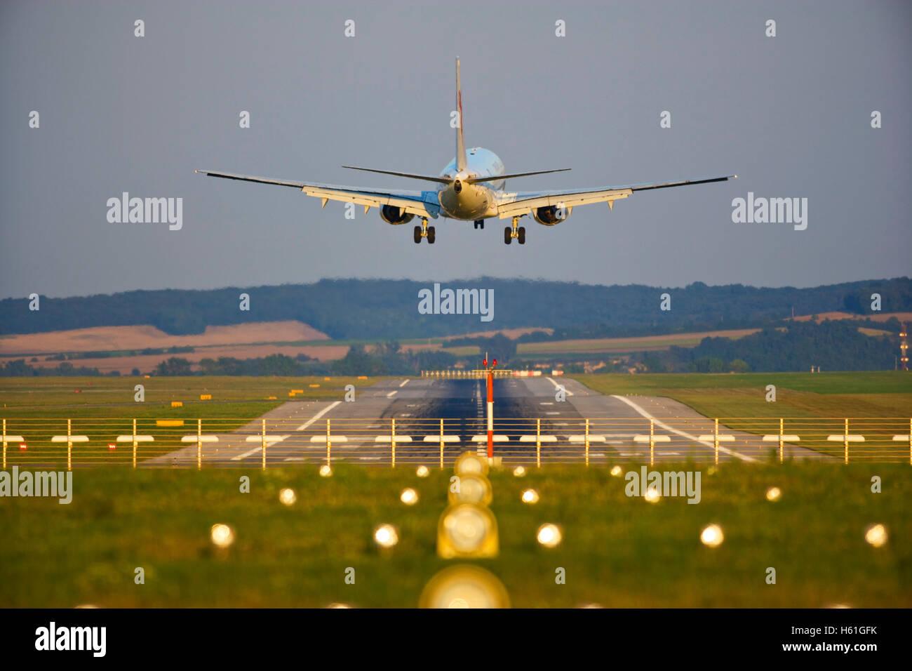 Landing airplane, Flughafen Wien Schwechat, VIE, Vienna, Austria, Europe - Stock Image